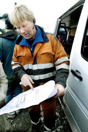 Håkan Andersson var med och byggde ridhus i Tierp. Dessutom rider hans fru så han vet vad det handlar om.
