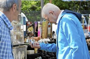 Lojal besökare. Stig Hagström från Örebro åker varje år till Antik- och samlarmässan där han främst letar efter små Japanska keramikföremål.
