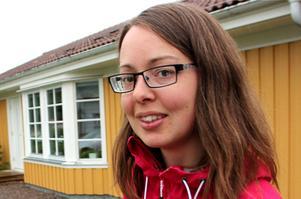 Elina Brodén (MP) konstaterar att det tagit lång tid innan hyresgästens lägenhet åtgärdas. Fastigheten på bilden har inget med artikeln att göra.
