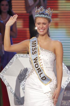 Förra året vann Alexandra Mills från USA titeln Miss World.