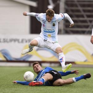Johan Bertilsson har växt ut till en nyckelspelare för Gefle IF. Men han har fått jobba en hel del med att stärka sitt självförtroende och självkänsla för att bli en jämnare och bättre spelare. Nu väntar premiären mot Helsingborg där Johan är en given startspelare.