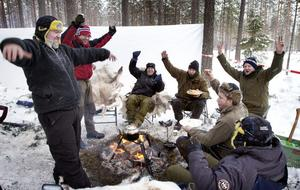 Det här glada norska gänget var ute i god tid. Natten till lördag sov de i två medhavda tält alldeles intill sträckan.