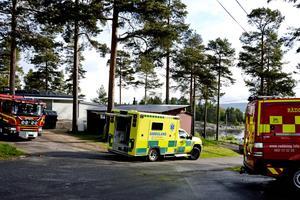 En man född 1968 omkom vid en brand på Fläsians camping på fredagsmorgonen.
