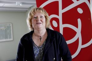 Marie-Louise Dangardt, före detta kommunalråd i Hofors, numera regionråd för S, tycker att det är osmakligt att Arbetarbladet tar betalt för artiklar om tragiska händelser.