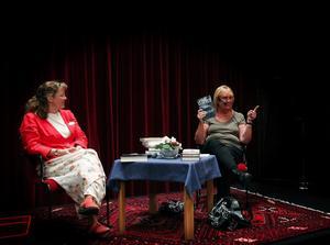 Bibliotekarien Gunilla Grill och Monica Gullman från Bokia samtalar under vårens sista, fylliga bokprat i Kulturmagasinet. Sommaren är lästid och våren har varit rik på läsvärda böcker.