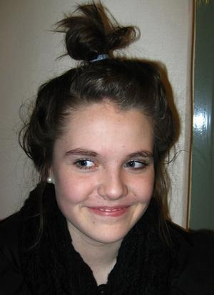 Amanda Salander, 14 år, Sundsvall:Hockey. Det är roligt.