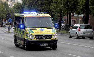 Brandförsvaret har ett system med backup om någon station får ett större jobb. Varför kan inte ambulansen ha något liknande, frågar Lars Nilsson.