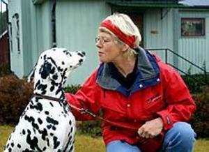Foto: STEFAN ESTASSY Nya intressen. Politik är ett avslutat kapitel för Doris Carlsson. Efter 31 år i kommunalfullmäktige väntar svampskogen och hunden Meja på uppmärksamheten.