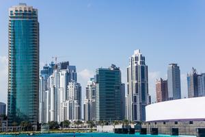 Världens högsta hotell JW Marriott Marquis står bland Dubais skyskrapor.
