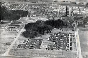 Bäckby från ovan 1974. Känner du igen dig?
