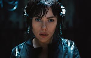 Scarlett Johansson ser inte särskilt japansk ut, men det gör inte heller Motoko Kusanagi i den japanska förlagan.