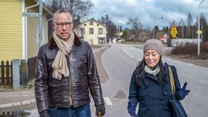 Journalisten Po Tidholm besöker sin uppväxtort, Arbrå med Tove Lifvendahl till programmet Resten av Sverige.