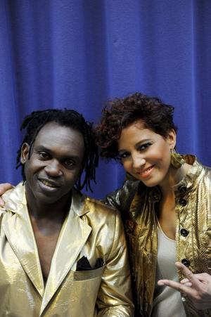 Dr Alban och Jessica Folcker uppträder i Melodifestivalen med låten