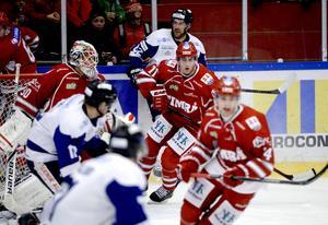 Albin Carlson har noterats för 13 matcher med Timrå IK i vinter och han har då gjort sju assistpoäng.