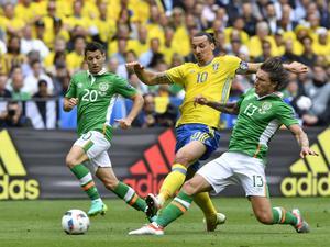 Zlatan Ibrahimovic i matchen mot Irland där Sverige knep en skakig poäng.