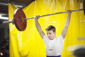 Jonas Lundin, Bergsjö, fixade nytt personligt rekord i stöt.