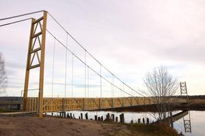 Den nya hängbron i deltat är färdigbyggd. Den ska öppnas inom fjorton dagar.