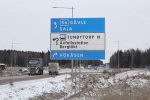 Kvastbruket som kan ge plats för 35 meter höga byggnader ligger strax före infarten till Hökåsen.