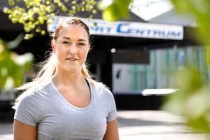 Jenny Södrén vid Norrtälje Sportcentrum, där hon inledde sin handbollskarriär i HK Ceres.