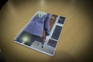 Alla bilder till boken har de tagit själva och Elin Nyberg har redigerat dem.