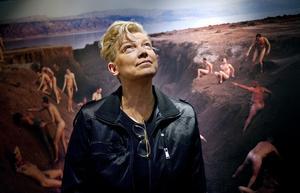 """14 år senare. 1998 brändes en bild ur Elisabeth Ohlson Wallins utställning """"Ecce Homo"""" när den ställdes ut i Örebro. Igår invigdes hennes senaste utställning """"Jerusalem"""" på Örebro läns museum där den finns till och med den 6 maj."""