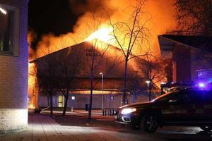 Det var på kvällen den 28 mars som räddningstjänsten larmades till en brand i Önstaskolans gympasal på Daggrosgatan.
