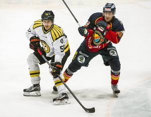 Sebastian Enterfeldt spelade sin första match på över ett år. Han blev också målskytt, men målet dömdes bort och Djurgården vann med 4–1.