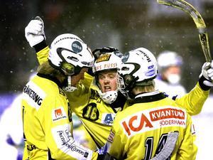 Jonsson, Nygren och Gilljam jublar vidare i gulsvart.