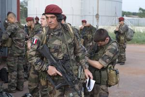 Franska soldater anländer till Centralafrikanska republiken.