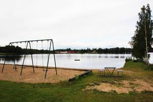 Badplatsen Näset i Bergviken, Kilafors, ligger i ett område med mycket hög risk för människors hälsa och miljö.