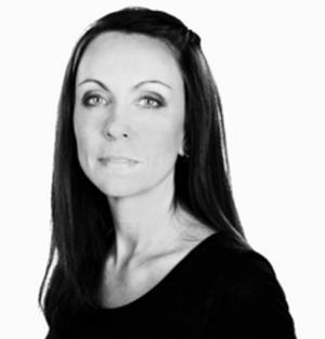 Lisa Lexfors från Dala-Järna gör rollen som dotter till kyrkoherden.
