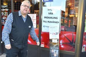 Peter Kassman kom med idén om att sätta upp en stubbe/insamlingsbössa utanför sin affär – och flera kommer att följa.