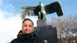 Henrik Arnstad har skrivit om Europas fasciströrelser.