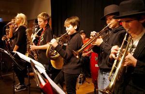 Modigt. Sandvikens kulturskolas ljudklappar är ingen julkonsert, men väl ett bevis på att det finns modiga unga musiker.Foto: Stefan Tkatjenko
