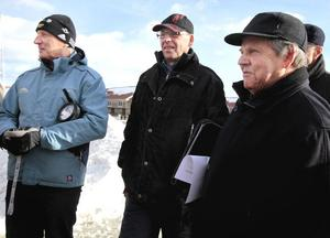 Urban Brink, Rune Hed och Gunnar Dahlberg samtalade kring gula hamnmagasinen.
