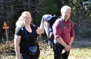 Friluftsare. De är uppväxta i skog och mark. Eva-Lotta och Lars Andersson för nu över intresset till nästa generation, sonen Simon.