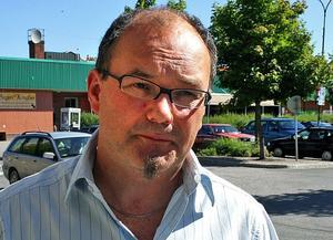 Ännu har inga varsel kommit till arbetsförmedlingen i Ånge och Håkan Strandell på grund av finanskrisen i landet.