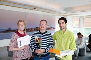 Britt-Inger Halvorsen och Darek Lekander från FUB samt Armin Abbasian som byggt en hundrastgård fick under torsdagen motta sina stipendier.