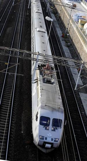 Oppositionen gillar monopolet på järnvägen.