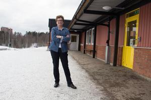 Eva Georgsson arbetar som lärare på Per Olsskolan. Hon ser fram emot att prova det nya systemet med två lärare i två olika klasser.