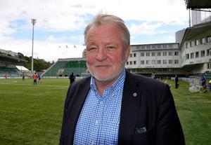 Johan Nikula, ordförande GIF Sundsvall, ser positivt på att Östersunds FK är på väg upp i Allsvenskan.