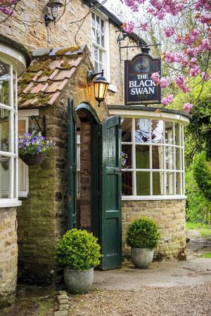 I en gammal pub i byn Oldstead ligger en av Yorkshires bästa restauranger, Black Swan.   Foto: Reine Hefvelin