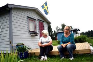 Stugmys. Lisa Pettersson och Ritva Svensson trivs på sina kolonilotter och med att ha varandra som grannar.