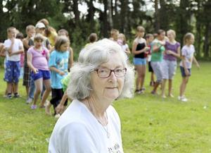 Anna-Stina Akervall driver sedan början av 1990-talet ett läger för barn från Vitryssland.