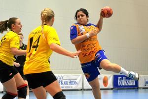 Bnar Aziz får spela division 2 med sitt Lif Lindesberg nästa säsong.