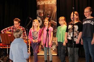 Hasselnötterna sjöng på både svenska och engelska.