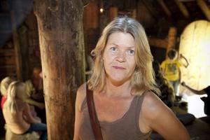 Arkeologen Anna Hellgren, bördig från Sandviken, var en av besökarna i vikingabyn på Årsundadagen.
