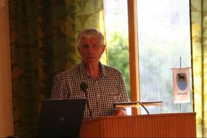 Stig Eng kommer att äntra talarstolen på det extra fullmäktige och plädera för en regionkommun i länet.