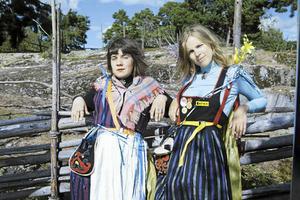 Sara Parkman och Samantha Ohlanders, Thelma och Louise i fäbodmiljö?
