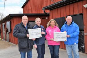 Ulf Berg, till vänster. ordförande för antivåldsfonden, och Johnne Eriksson, initiativtagare, flankerar Jeanette Stierne från ridklubben och Marie-Louise Axelsson från motorklubben.